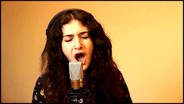 Видеоклип к песне Help (The Beatles cover): Come_together (The Beatles cover). Поет Gaia Starr