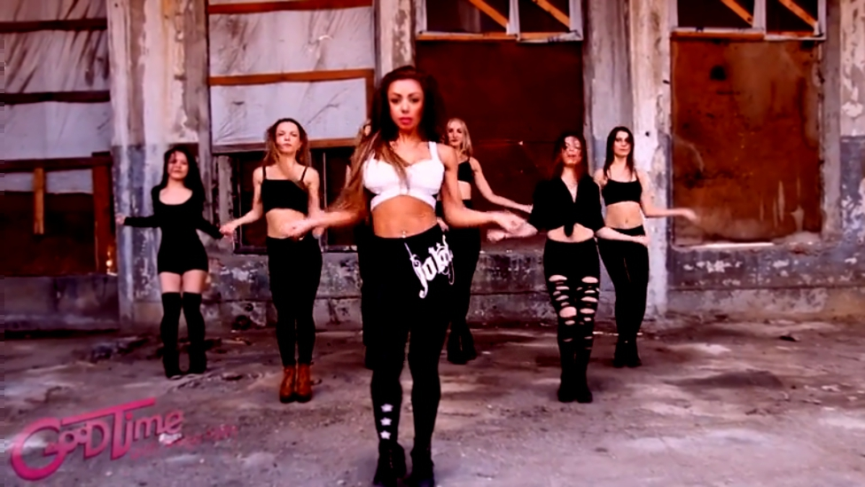 Видеоклип к песне Se Una Regola C'e: SONYA NEKS/ HIGH HEELS/ Tinashe [Drake] - Days In The West